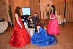 Spectacol cu zane ursitoare la botez in Sucevita
