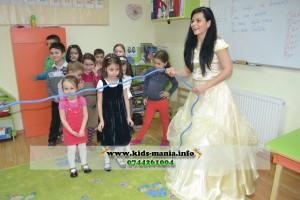 Inchirieri animatoare printesa Bell in Iasi - petreceri pentru copii Printesa Bell